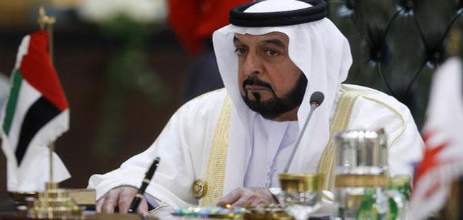 رئيس الدولة ونائبه يهنئان مقرن بن عبدالعزيز