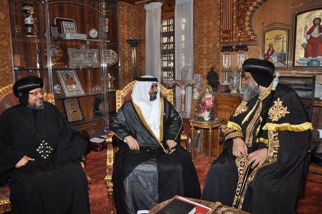 سفير الدولة بالقاهرة يقدم العزاء لبابا الإسكندرية في وفاة والدته