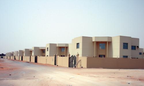 أهالي رأس الخيمة يطالبون برفع سقف برنامج زايد للإسكان