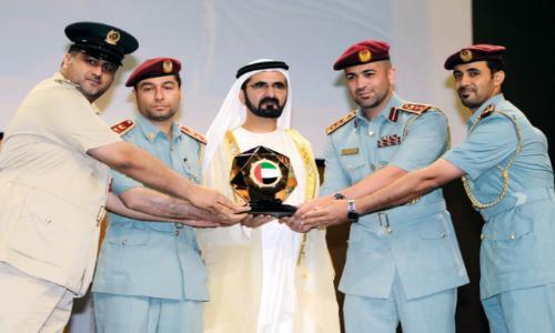 محمد بن راشد يكرم الفائزين بجوائز الأداء الحكومي المتميز