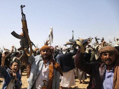 قيادي حوثي: سيطوف الحوثيون حول الكعبة الحج القادم