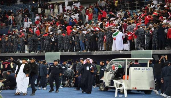 إصابة 40 مشجعا جراء سقوط حاجز بمدرجات نهائي