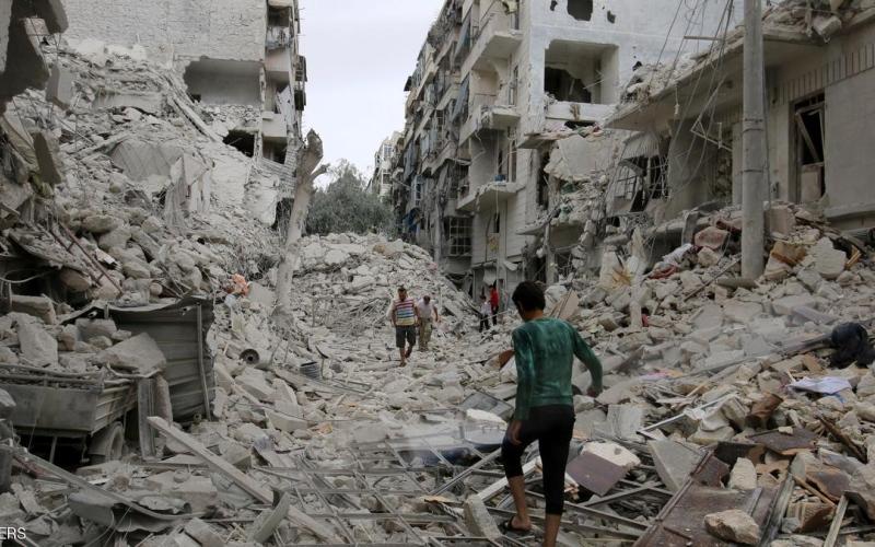 غارات روسية وسورية تقتل 80 مدنياً في حلب