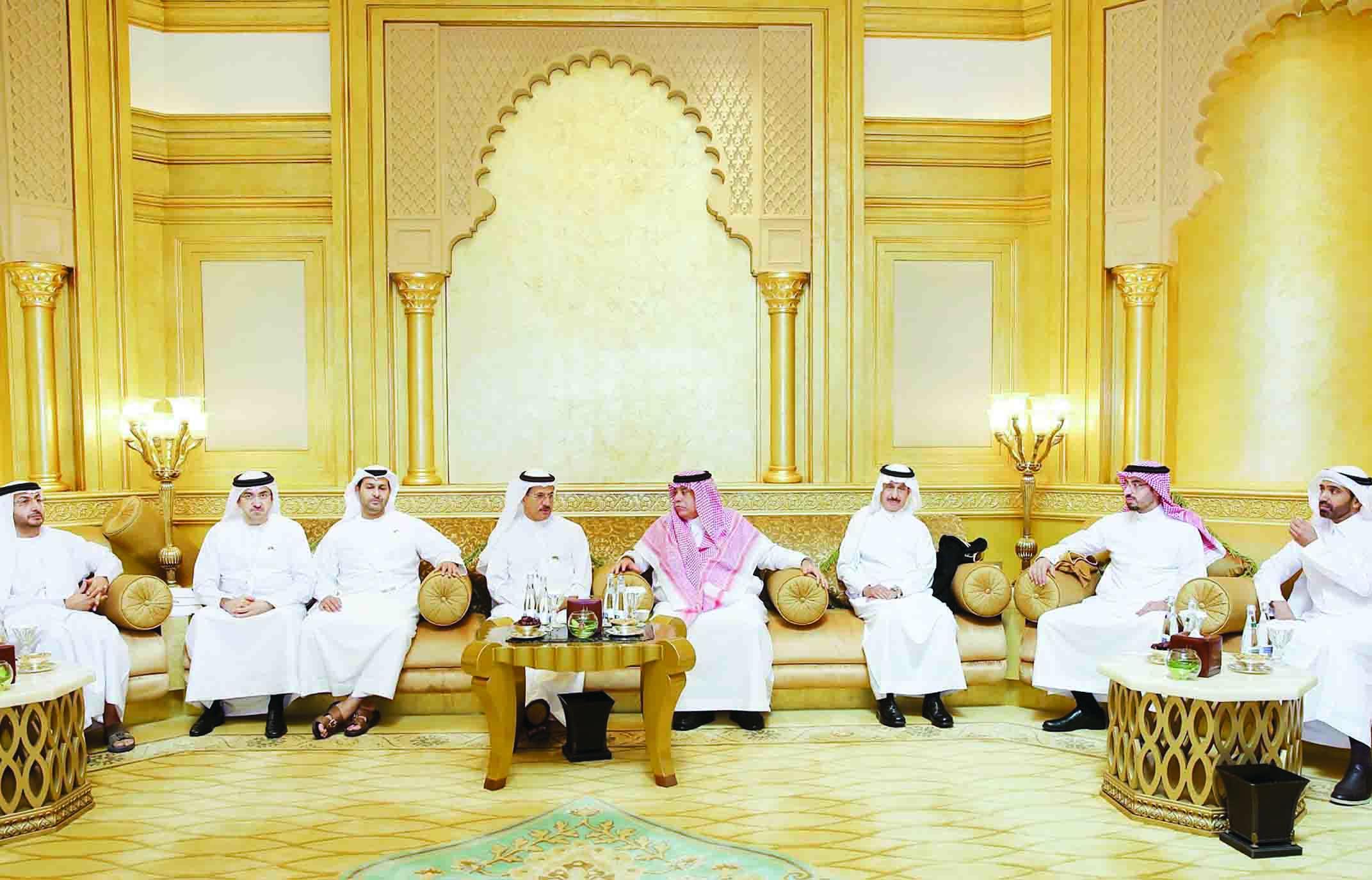 تشكيل فريق عمل إماراتي سعودي لتنسيق الاستثمار الخارجي