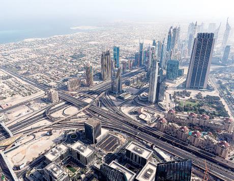 دبي العالمية تسعى لإعادة هيكلة ديونها