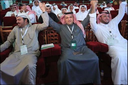 عادل عزت رئيساً للاتحاد السعودي لكرة القدم