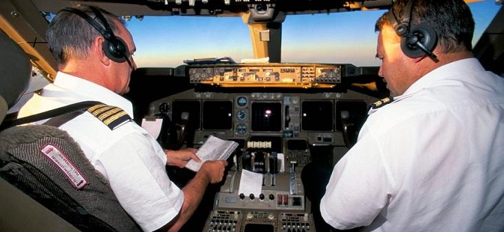 1346 تراخيص أطقم الطائرات في الإمارات خلال 6 أشهر