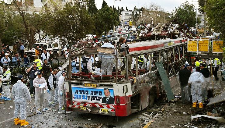 حماس تحذر من مناخات متفجرة ومرحلة صراع جديدة بنقل سفارة أمريكا للقدس
