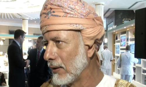 عُمان: سحب السفراء من قطر عتاب بين الأشقاء