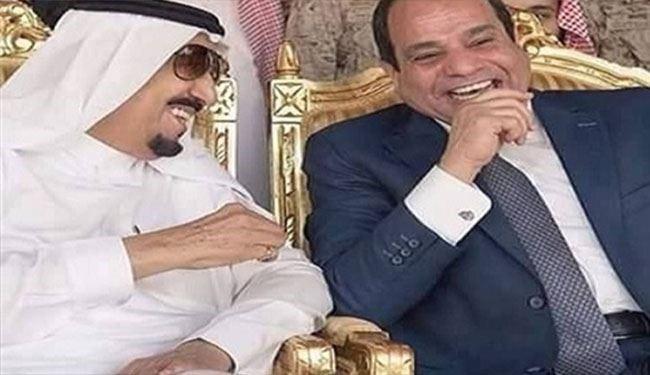 إعلامي قطري يزعم: أبوظبي تزج بالقاهرة والرياض في الصراع مع قطر