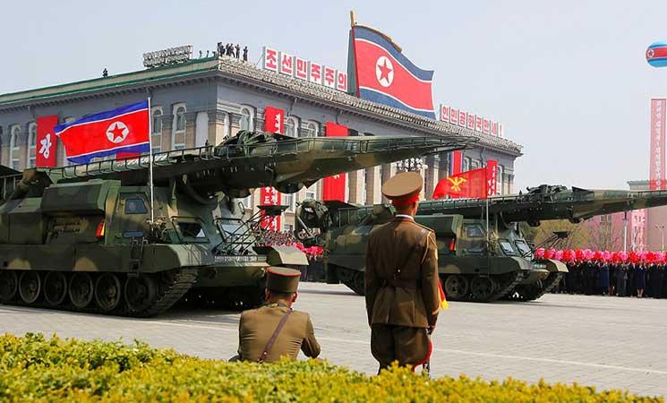 أنباء عن رصد قيام كوريا الشمالية بنقل صواريخ من مركز تطوير