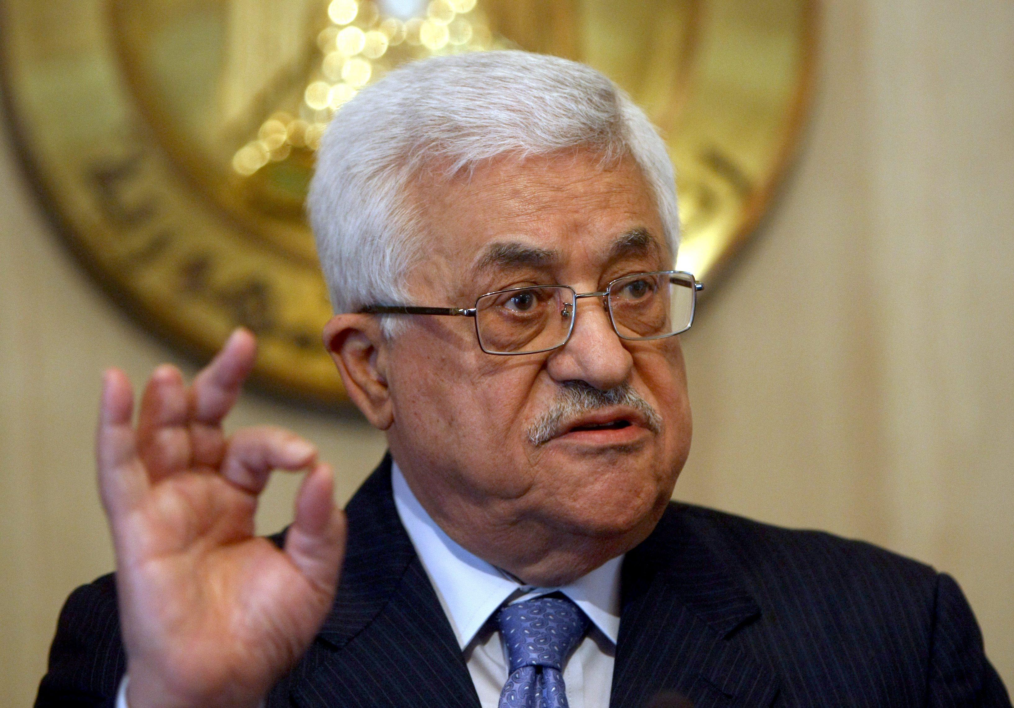 عباس يطالب بالحماية الدولية للفلسطينيين