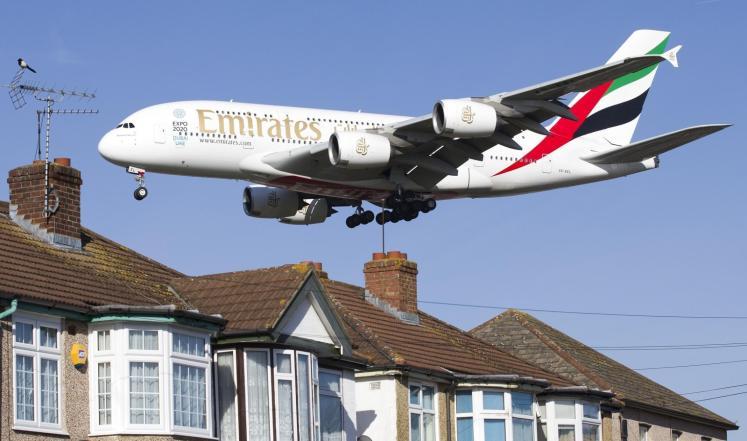 طيران الإمارات تعتزم شراء 70 طائرة إيرباص وبوينغ