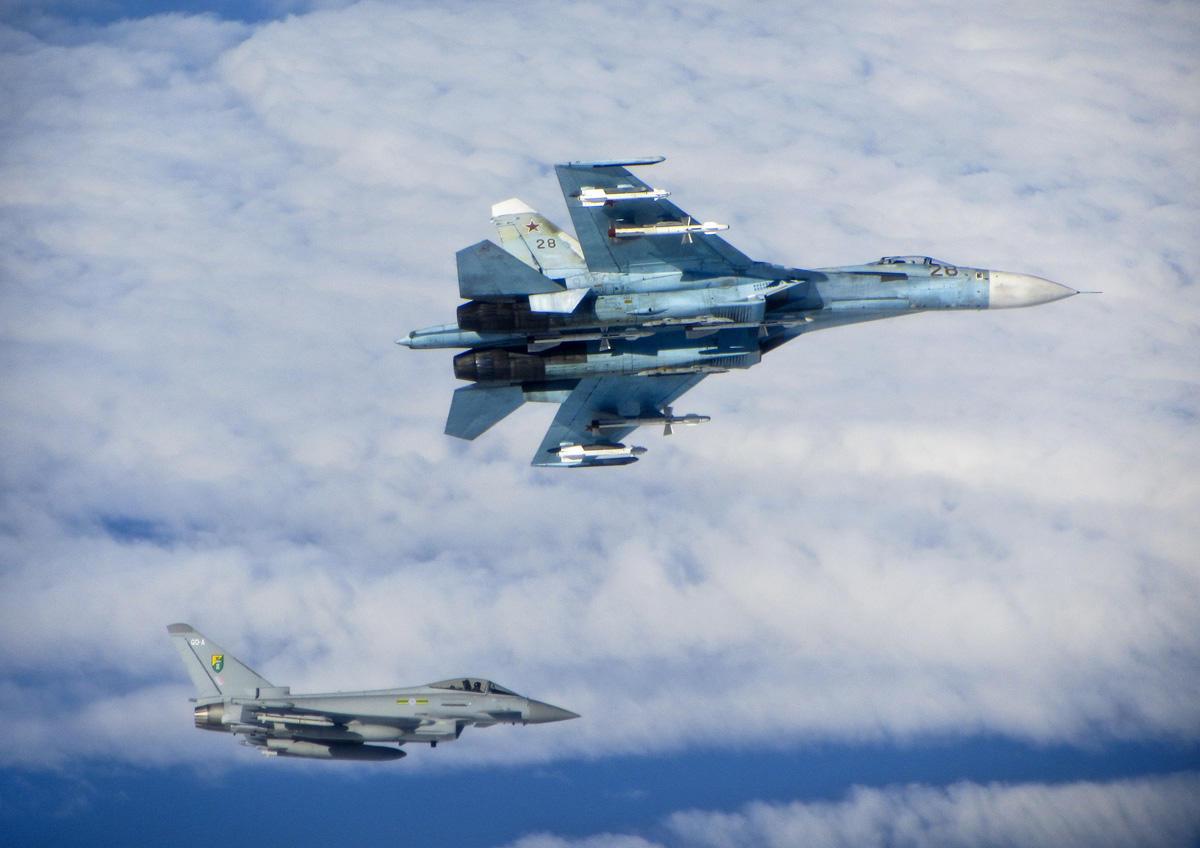 الاستفزاز الثاني خلال أسبوع.. مقاتلة روسية تعترض أخرى أمريكية