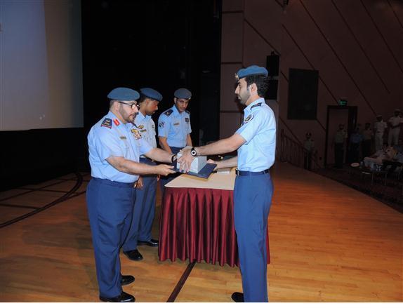 القوات الجوية تحتفل بتخرج عدد من الدورات التخصصية