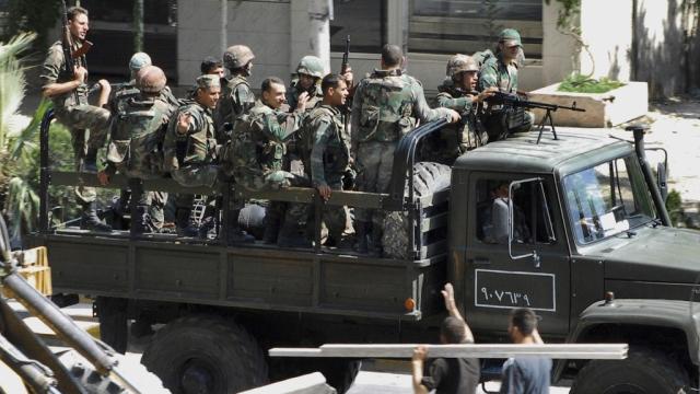 داعش تعدم العشرات من الجنود السوريين