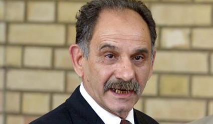 نائب رئيس الوزراء العراقي ينجو من محاولة اغتيال