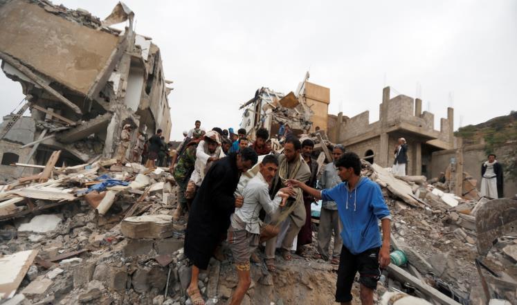 قبائل يمنية تطلب التحقيق بمقتل مدنيين بغارات للتحالف