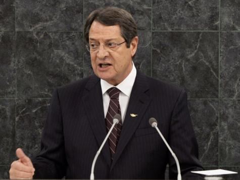 الرئيس القبرصي يدعو الشركات للاستثمار في الإمارات