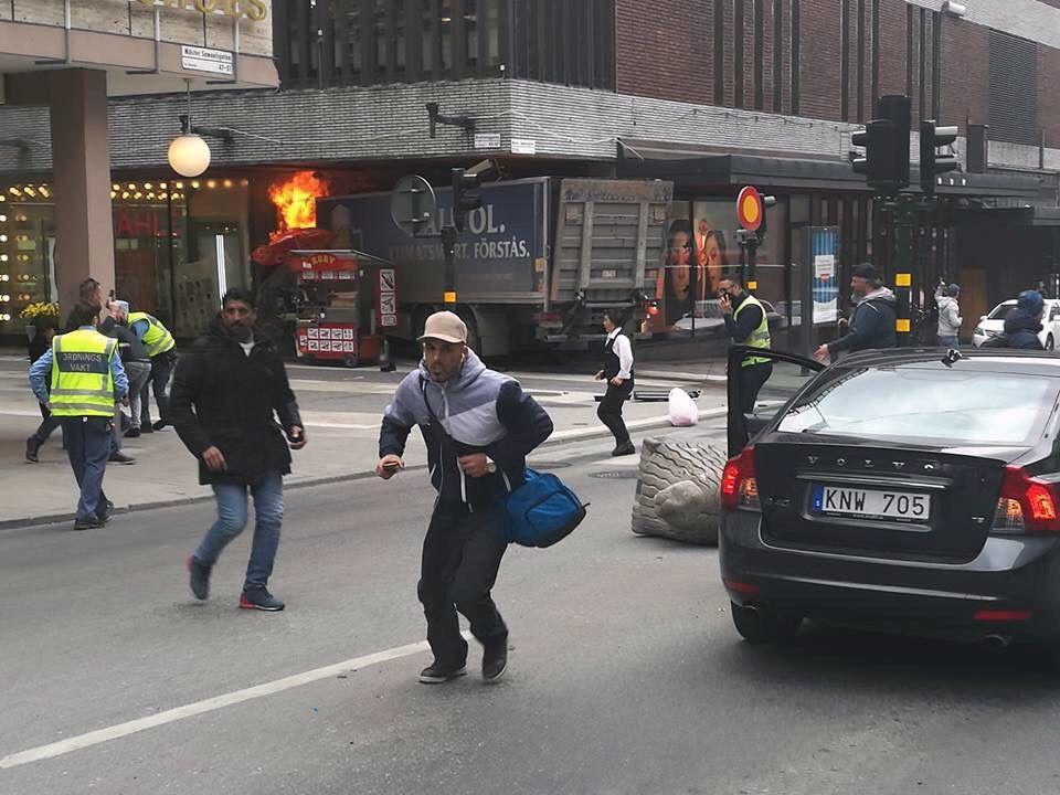 4 قتلى بعملية دهس قرب البرلمان السويدي