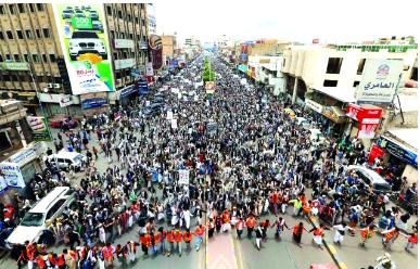 شرارة ثورة ثانية في اليمن .. عشرات الآلاف يتظاهرون ضد حكومة باسندوة