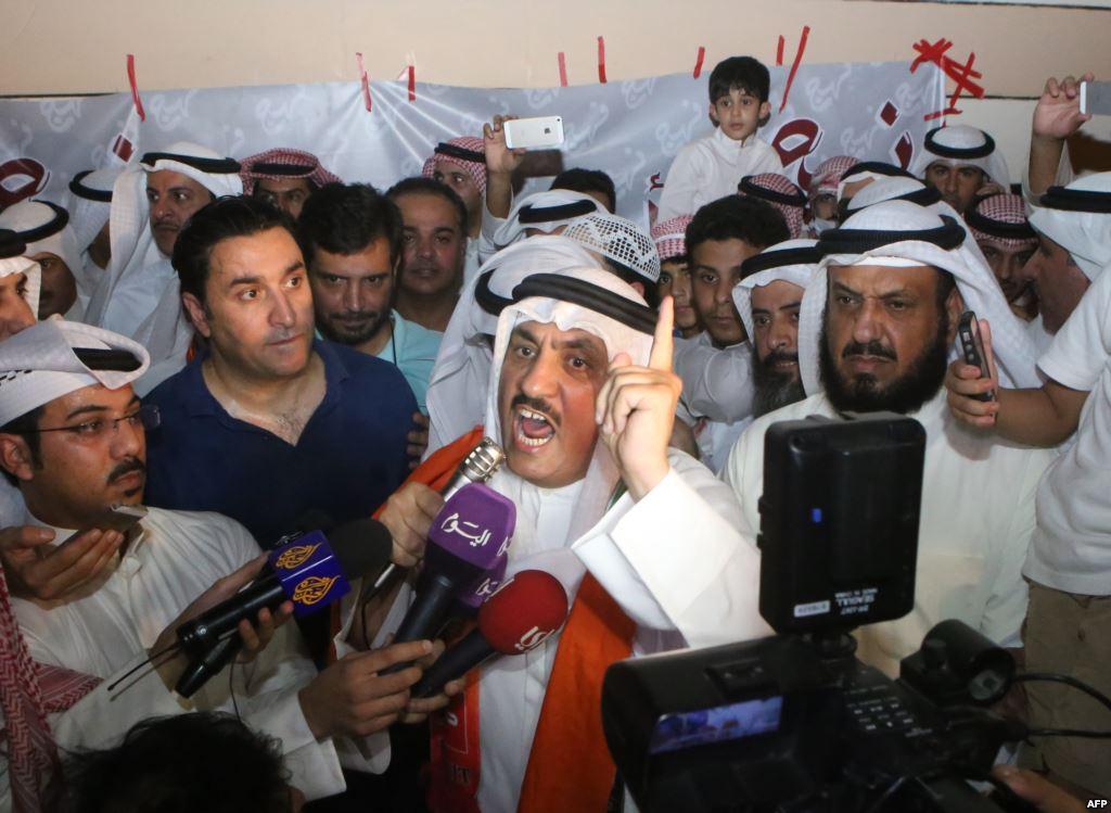 التوصيات الأمنية بسحب جنسيات كويتيين تثير انزعاج الشارع