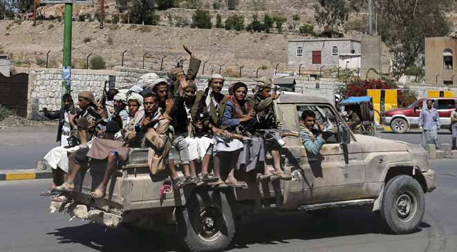 كاتب سعودي: سيطرة الحوثي على صنعاء بأمر إقليمي ودولي لإسقاط الإخوان