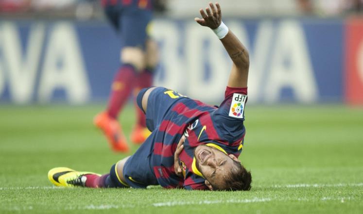 برشلونة يتلقى ضربة جديدة بإصابة نيمار