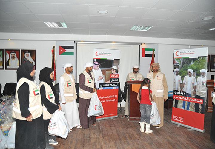 مساعدات إماراتية لـ400 عائلة سورية شمال الأردن