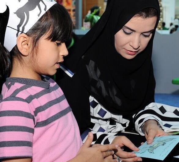 افتتاح فعاليات حملة أبوظبي تقرأ في المراكز التجارية