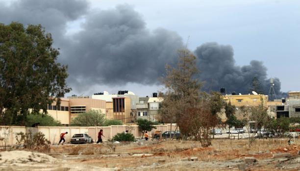 بعد تأكيد الثني سيطرتهم... معارك عنيفة في بنغازي