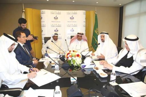 الإمارات الأولى خليجياً في التجارة الإلكترونية