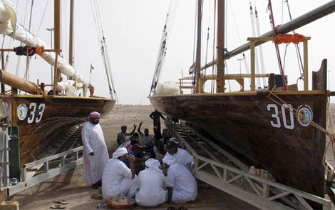 الصيادون المحتجزون في إيران يستدينون لشراء الطعام وسط صمت رسمي