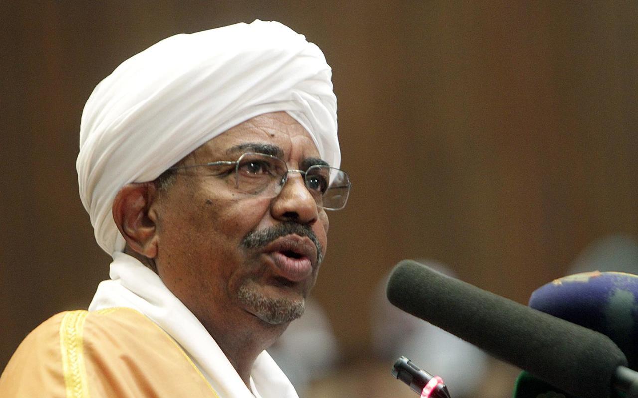 البشير يهاجم إيران: تسعى للسيطرة على دولنا وتستهدف السُّنة