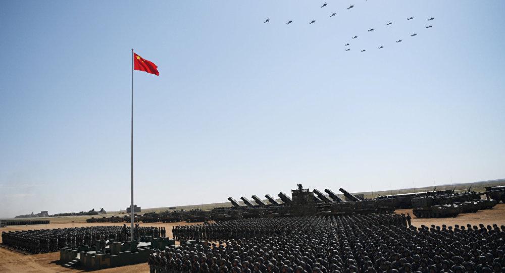 مواجهات بالحجارة بين جيشي أكبر دولتين في العالم