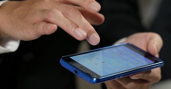 شرطة دبي تطلق خدمة شهادات الفقدان على الهواتف 