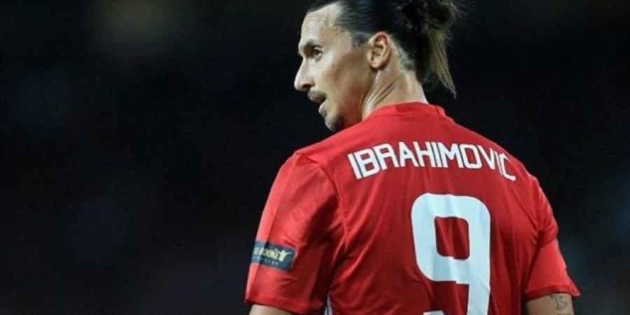 إبراهيموفيتش يهدي مورينيو لقبه الأول مع مانشستر يونايتد