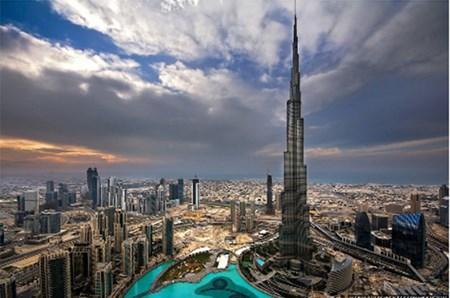 تركيب أجهزة رصد الزلازل على الأبراج المرتفعة في دبي