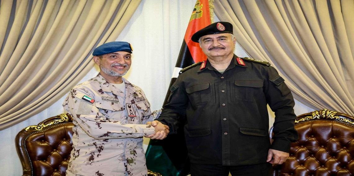 نائب رئيس أركان القوات المسلحة يلتقي زعيم التمرد خليفة حفتر في بنغازي