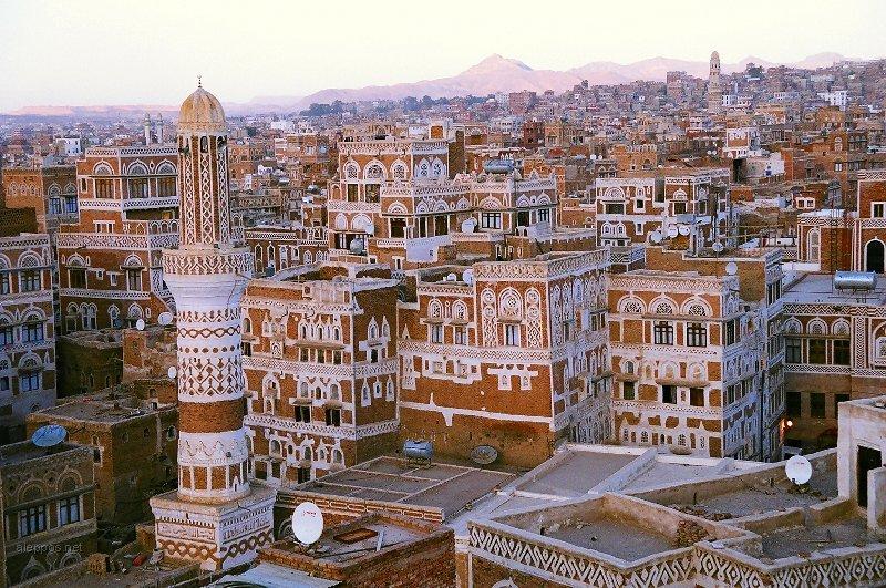 نجاة قائد عسكري يمني من محاولة اغتيال