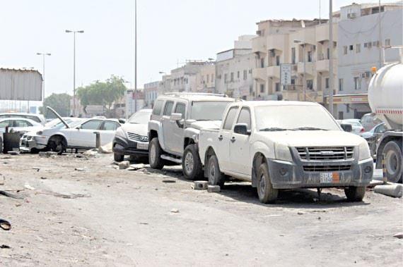 بلدية أبوظبي تعلن عن إزالتها 20 سيارة مهملة من منطقة بني ياس