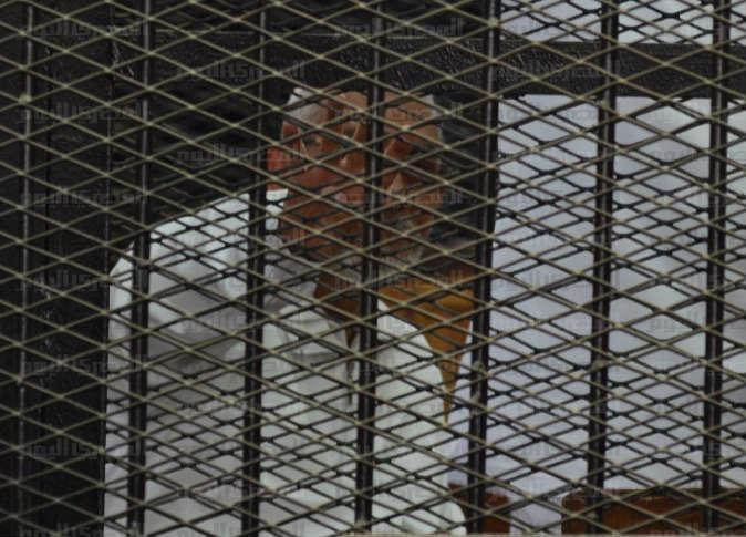 مرشد الإخوان يتحدى حكم الإعدام