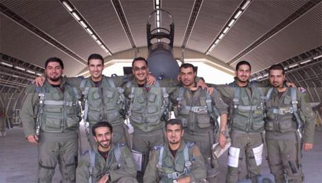 السعودية تنشر صور الطيارين الذين قصفوا معاقل داعش بسورية