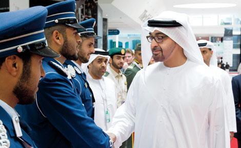 محمد بن زايد يحضر مناورات سيف عبدالله في السعودية
