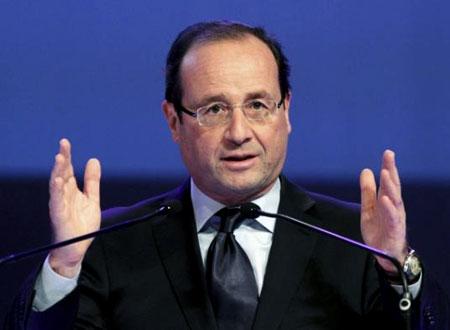 هولاند يصف العلاقات الفرنسية الإماراتية بالنموذجية
