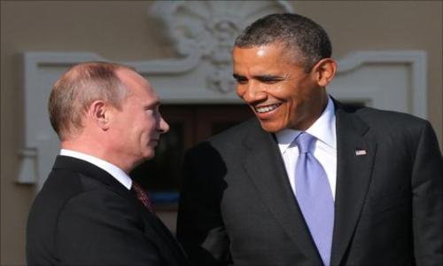الرئيس الأمريكي يقدم لنظيره الروسي مخرجاً من الأزمة الأوكرانية