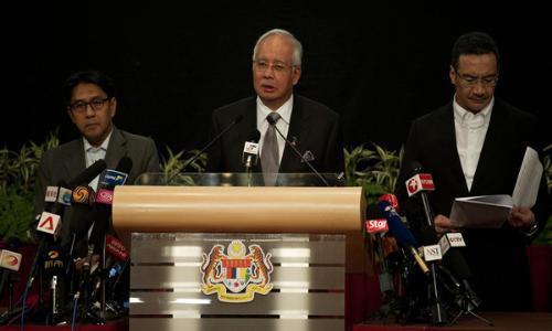 رئيس وزراء ماليزيا يؤكد سقوط الطائرة في المحيط الهندي