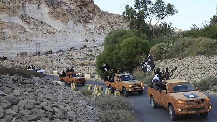 صحيفة: داعش تختطف 35 مصرياً في ليبيا عقب الغارات المصرية