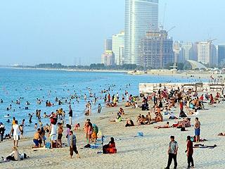 2 مليون زائر لشواطئ أبوظبي خلال النصف الأول من العام الحالي