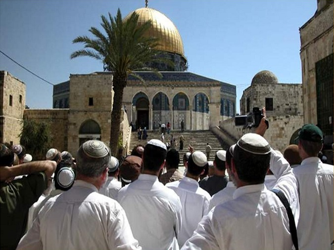 إثر زيارة وزير خارجية مصر.. إسرائيليون يؤبنون مستوطنة في الأقصى